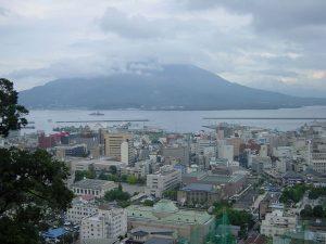桜島の風景です。雨なのか?黄砂なのか?降灰なのか?