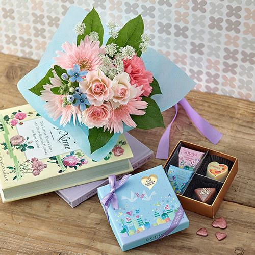 ゴディバ ホワイトデー限定 ガトーメゾン アソートメントと花束のセット